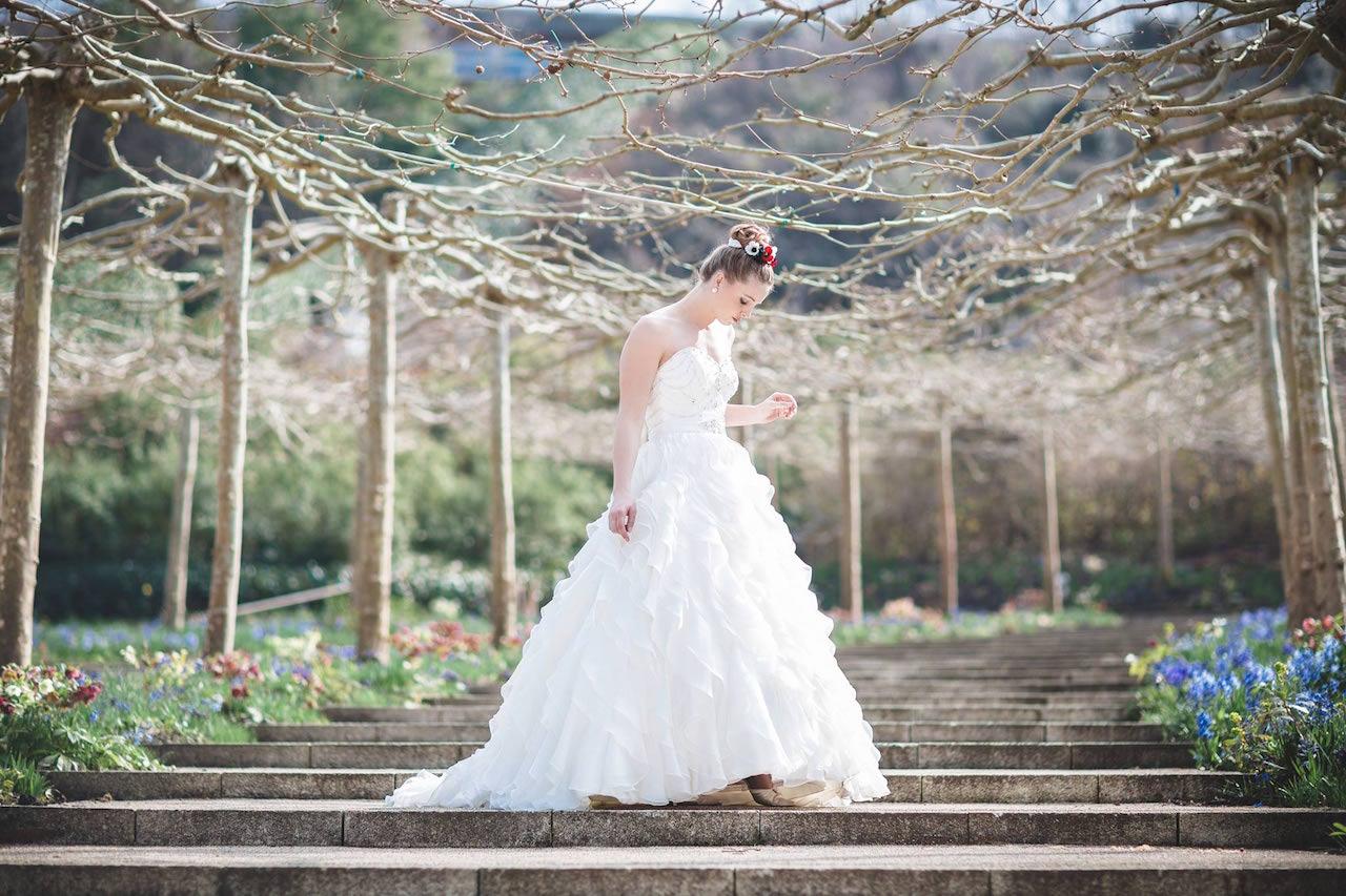 Bride at Eden Project - Wedding planner Cornwall