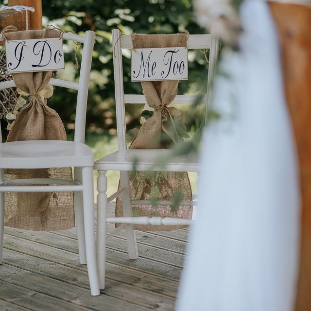 Cornwall Wedding Planner Jenny Wren planned Anna and Stuart's wedding at Cosawes Barton in Cornwall