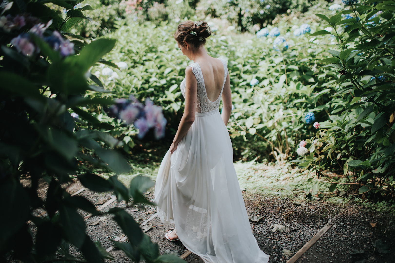 Choosing your wedding dress is a VERY important part of planning your Cornwall Wedding. Let Jenny Wren help plan your wedding!